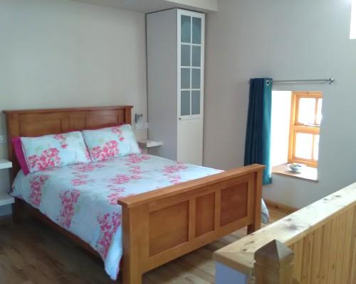 Beudy Bach En suite bedroom
