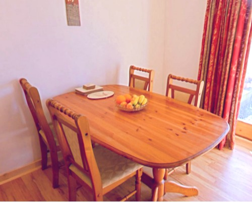 Beudy Bach Dining table