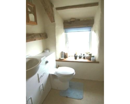 The Old Farmhouse bathroom
