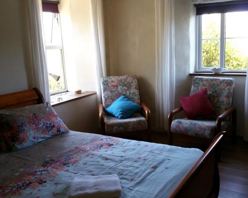 The Old Farmhouse En suite bedroom