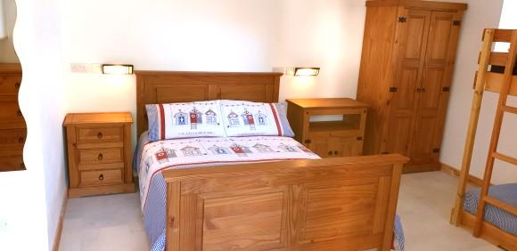 Piggery Poke Ground floor bed 1