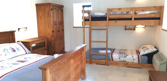 Piggery Poke Ground floor bed 2