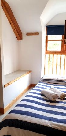 Piggery Poke Triple bunk room