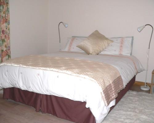 Ysgubor Mawr Ground floor bed